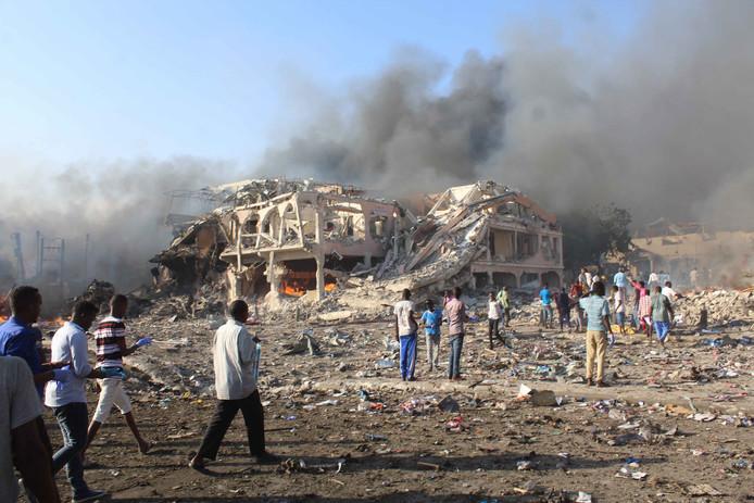 De aanslag vond plaats voor de deur van het Safarihotel dat volledig instortte.