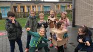 Kinderen van De Glimlach komen verkleed naar de klas voor meer fairtrade