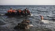 Politie arresteert 10 mensen na vondst van meer dan 50 lijken  voor kust van Libië