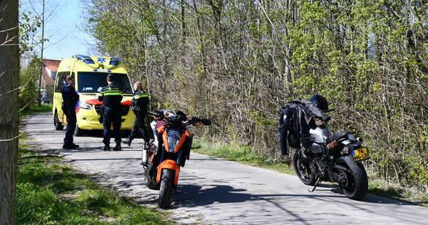 Motorrijder gewond na botsing tegen boom in Ritthem.