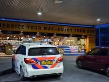 Vrouw (22) en man opgepakt na sigarettendiefstal in tankstation langs A58 bij Bergen op Zoom