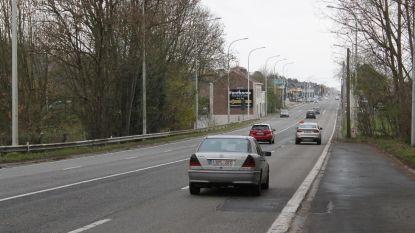 Werken aan fietspaden Ninoofsesteenweg