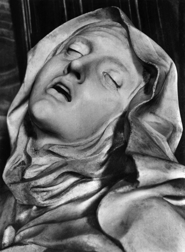 'De extase van St.-Theresia van Ávila' van Bernini in de Santa Maria della Vittoria in Rome.  Beeld Bettmann Archive