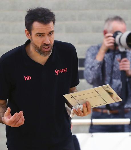 Volleybaltrainer Harmen Bijsterbosch vertrekt na dit seizoen bij FAST