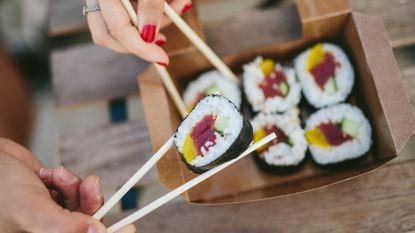 Je eet sushi al je hele leven verkeerd, vrouw toont hoe het wel moet