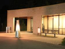 Drive-through condoleren bij crematorium Aalten