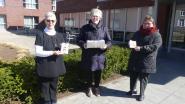 Vinktse vrouwen maken postkaartjes voor rusthuisbewoners