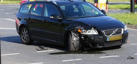 Fietser veroorzaakt ongeluk in Heesch en gaat er vandoor