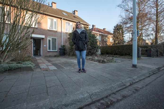 Wel Of Geen Vergunning.Eindhoven Gaf Geen Vergunning Voor Inrit Maar Stuurde Wel