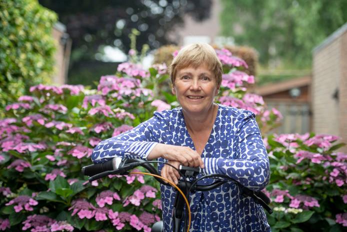 Wijkverpleegkundige Bep Heerenbrink neemt na bijna veertig jaar afscheid van haar baan.