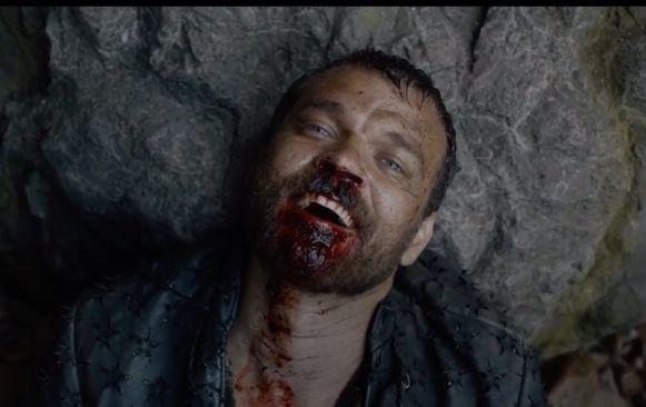 Euron sterft met de glimlach: hij heeft Jaime dodelijk verwond.