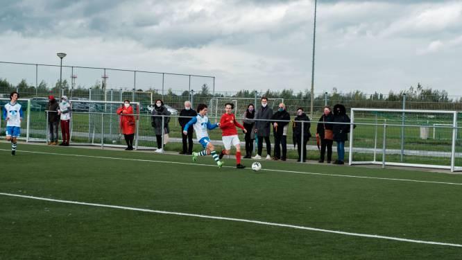 """Nieuw kunstgrasveld geopend op Sportlandschap: """"Voetbalverhaal is nu zo goed als rond"""""""