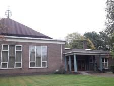 Boeken 'sloopkerk' Harderwijk  gaan per kilo de deur uit
