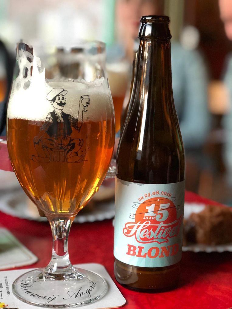 Het bier Hestival Blond