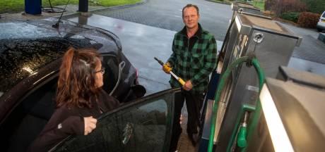 Van bediend naar onbemand: Putten moet zelf de handen vuil maken bij het tanken aan de Broekermolenweg