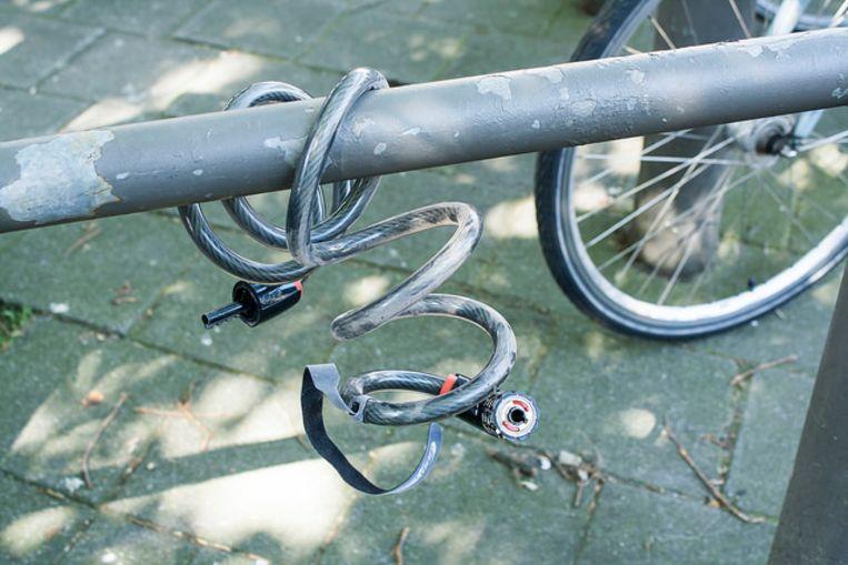 Een vrouw zag haar gestolen fiets te koop staan op internet. Samen met de politie zette zij een val op.