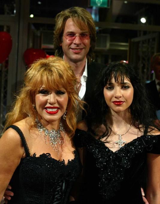 Patricia, Adam en Christina in 2004.