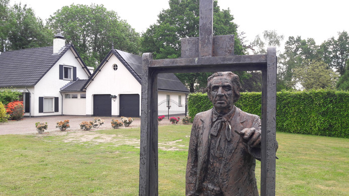 Ook werken van Dorus van Oorschot gaan uit de kunstcollectie van Meierijstad. Die werken keren terug naar de Stichting Atelier Van Oorschot. Op de foto een beeld van Dorus van Oorschot op de hoek Schootsestraat-Venushoek in Schijndel.