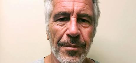 Twee bewakers Jeffrey Epstein opgepakt om vervalsen papieren