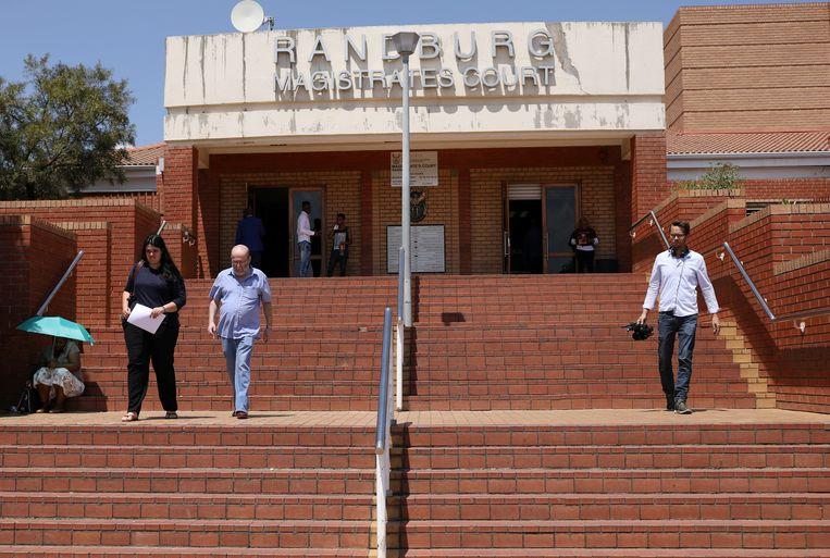 Medewerkers van de Deense officier van justitie voor ernstige economische en internationale misdaad waren aanwezig bij de arrestatie in Randburg (Zuid-Afrika) en vroegen om haar uitlevering.