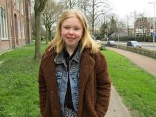 Anouk (17) houdt van spanning en sensatie, maar fantaseert stiekem over haar eigen huisje, boompje, beestje