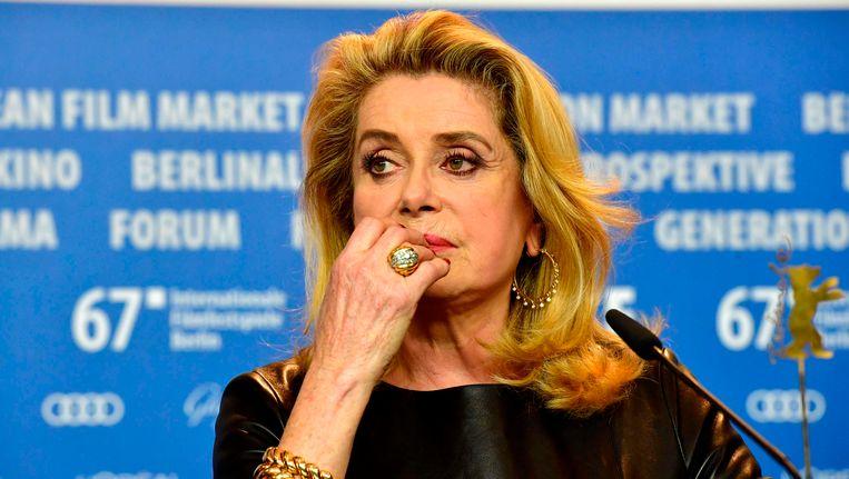 De bekendste ondertekenaar: Cathérine Deneuve, in februari bij de presentatie van haar film Sage Femme op het filmfestival van Berlijn. Beeld null