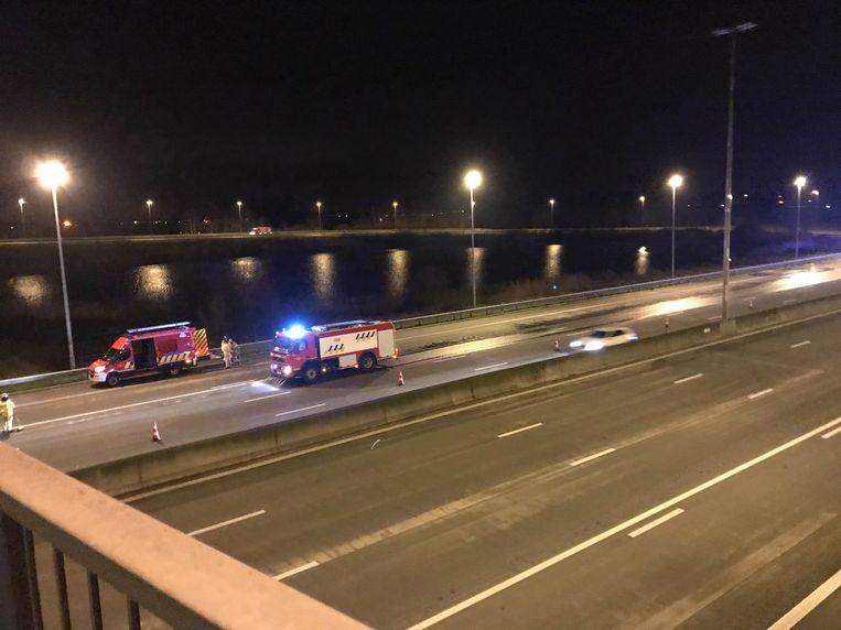 Na het ongeval kon het verkeer maar over één rijstrook.