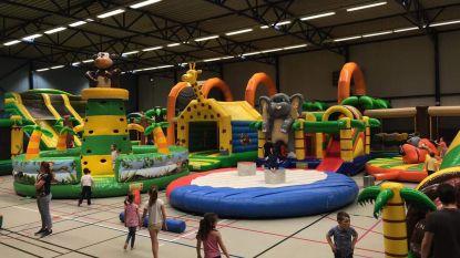 Jungle Jump zet 20 springkastelen in sporthal De Deuster