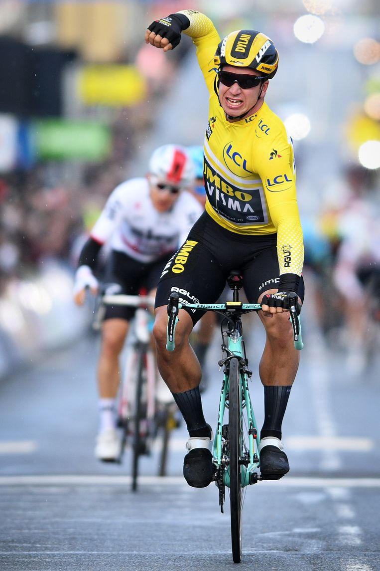 Dylan Groenewegen wint op 11 maart zijn tweede etappe in twee dagen tijdens Parijs-Nice. Beeld BELGA