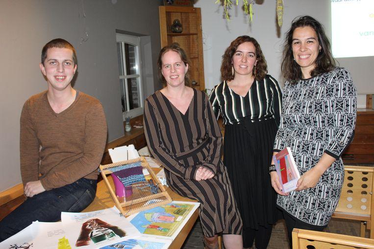 Jelle Spanhove, Sara Spanhove, Joke Van den Bossche en Mieke Verbeke van de Freinetschool Eeklo.