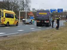 Automobilist gewond bij botsing met vrachtwagen in Harderwijk