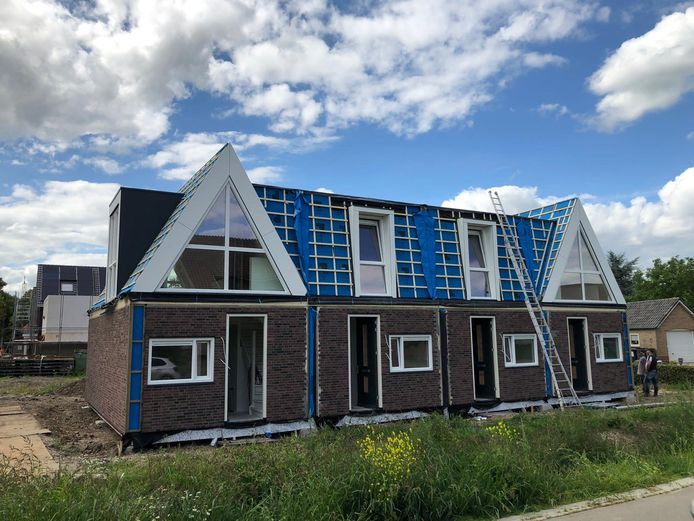 De nieuwe 'woningen-in-1-dag' in Alphen.