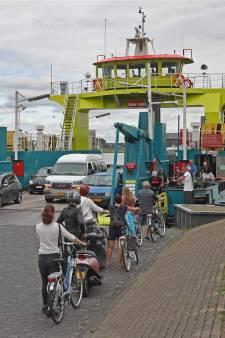 Drie dagen geen autoveer: Rozenburg is heel boos