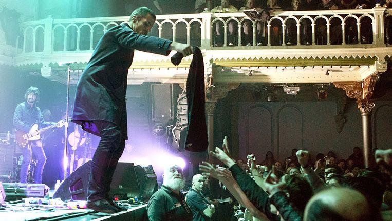 De Britse band Beady Eye met voormalig Oasis-zanger Liam Gallagher tijdens een optreden in Paradiso. Beeld anp