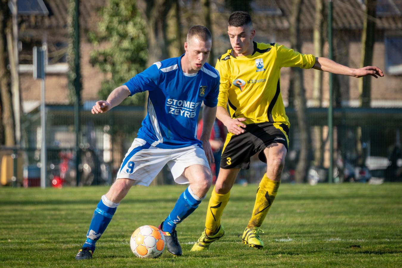 Eendracht-aanvaller Michel de Kinkelder aan de bal, eerder dit seizoen.