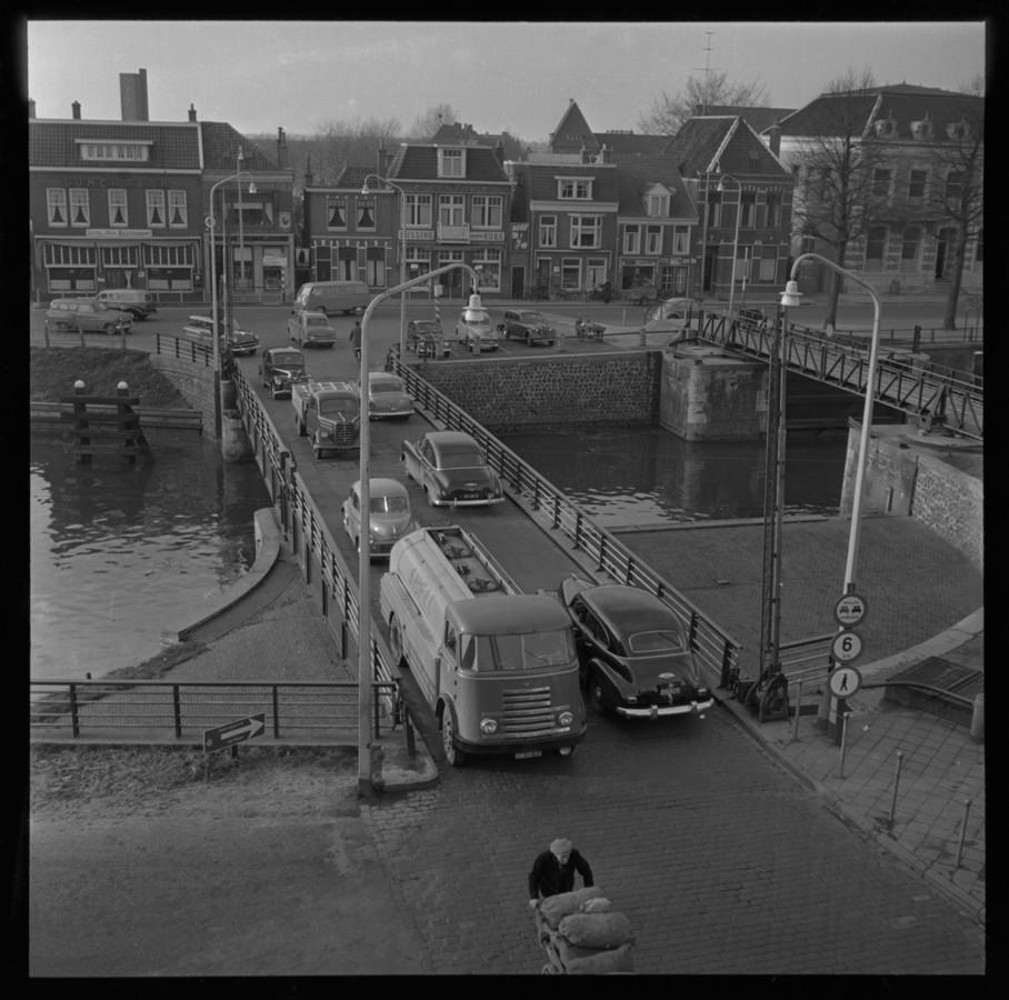 Keersluisbrug, 1955, collectie Dolf Henneke, Historisch Centrum Overijssel