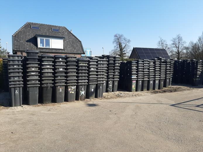 In het noordelijke deel van Apeldoorn worden in totaal 24502 grijze container ingenomen. Die worden op een depot aan de Vlijtseweg verzameld.