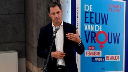 Alexander De Croo stelt boek voor in bibliotheek