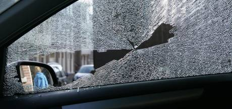 Drie dieven stelen auto in Amersfoort en worden na achtervolging gepakt in Apeldoorn