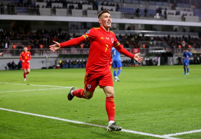 Harry Wilson viert zijn goal.