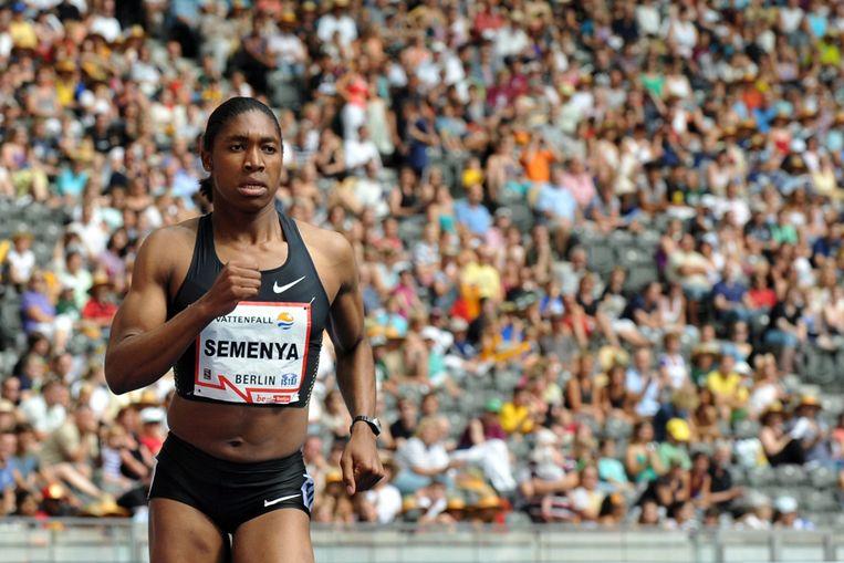 Caster Semenya tijdens wedstrijden in Berlijn (EPA) Beeld EPA