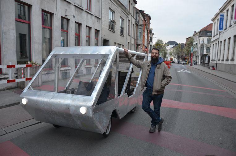 Stefaan Streulens rijdt met zijn autofiets zonder zorgen door de knips.