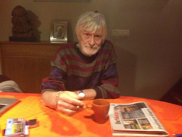 Een van de laatste foto's van Guy Missotten. De legendarische Leuvense journalist en columnist droeg Passe-Partout, waar hij het schopte tot hoofdredacteur, in zijn hart tot zijn allerlaatste dag.