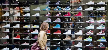 Sportschoenenketen Foot Locker somber over winst