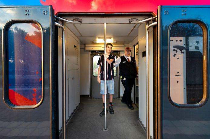 Make a Wish laat de wensen van zieke kinderen in vervulling gaan en in het geval van Kevin wordt dat een hele dag mee op pad met een trein.