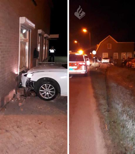 Beschonken automobilist komt tot stilstand tegen woning in Veenendaal