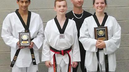 Nieuwe zwarte gordels bij Taekwondo Dojang