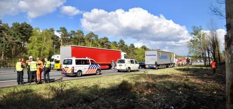 Ongeval met vrachtwagen veroorzaakt verkeerschaos op A12