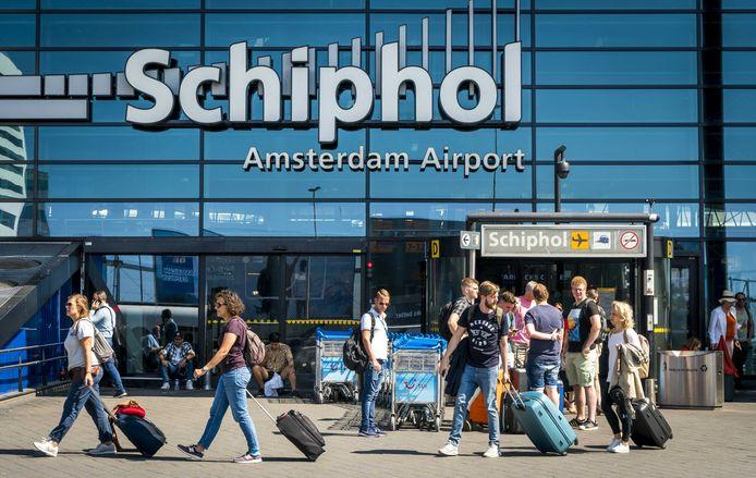 Ingang van Schiphol Plaza op luchthaven Schiphol.