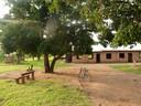 In Kibuye Village in Oeganda is luxe ver te zoeken voor de Wikveld-groep.